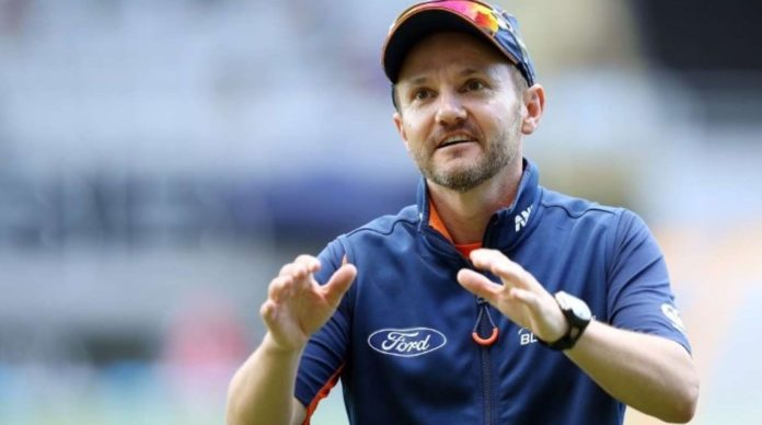 IPL 2020 - Mike Hesson Refused To Make Changes In RCB Camp