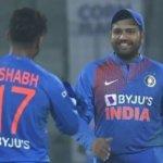 Mohammad Azharuddin Talks With Rohit Sharma And Rishabh Pant Before 1st T20I
